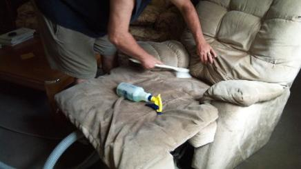 upholstery cleaning wildwood mo